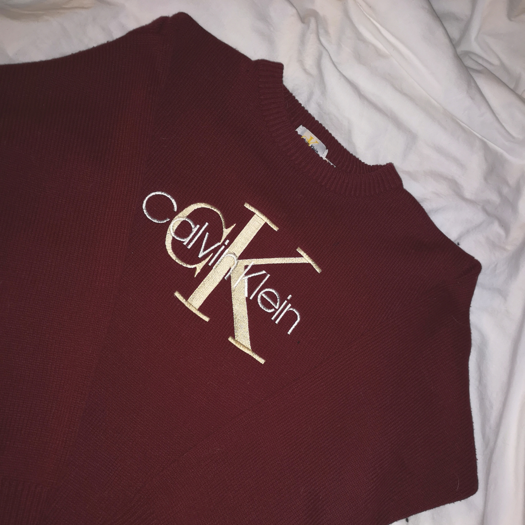 Burgundy Long Sleeve Knitted Sweater by Calvin Klein! ❤️ Never use the price! Shipping 50kr! 🚛. Stickat.