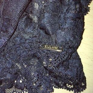 Så himla fin och skön bh från Ella M, Lindex 💫 Tyvärr har den blivit för liten för mig.  Knappt använd, mycket fint skick!  70kr inkl frakt 💖