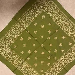 Bandanas, 20:- inkl frakt. Nya och skickas snabbt. Scarfs scarves bandana halsduk.