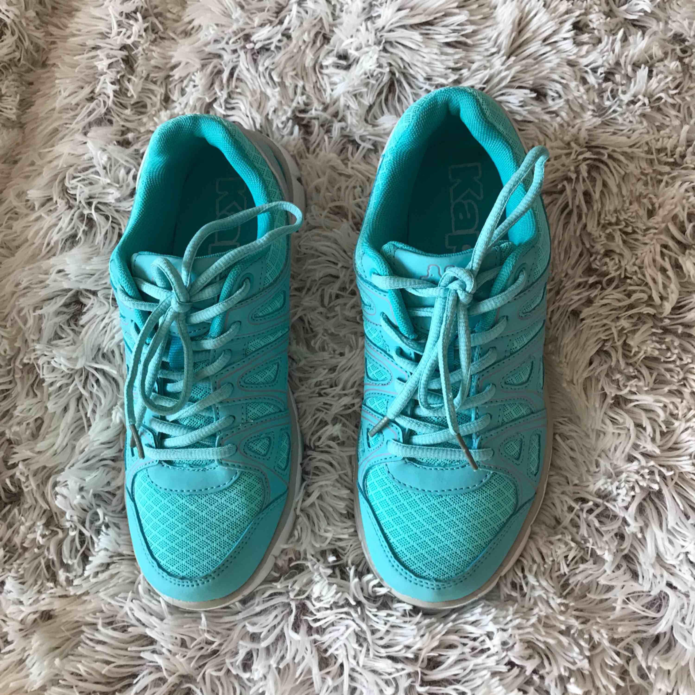 Kappa skor Använd 1 gång Nästan nya. Skor.