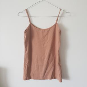Basic plagg linne från Zara. Fin nude färg