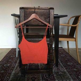 """Orange linne m """"randigt"""" tyg, lappen är inte kvar men gissar att det är strl M. det är ändå sommar snaaaaart💐"""