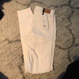Vita molly jeans från gina strl s  aldrig använda