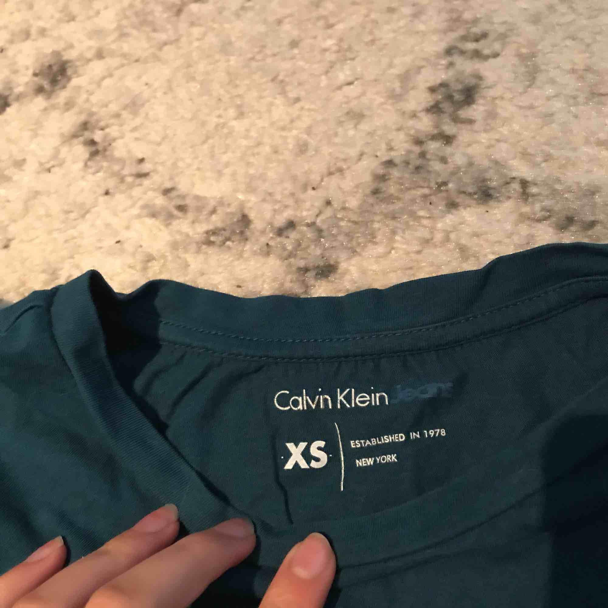 ck tröja  stor storlek . T-shirts.