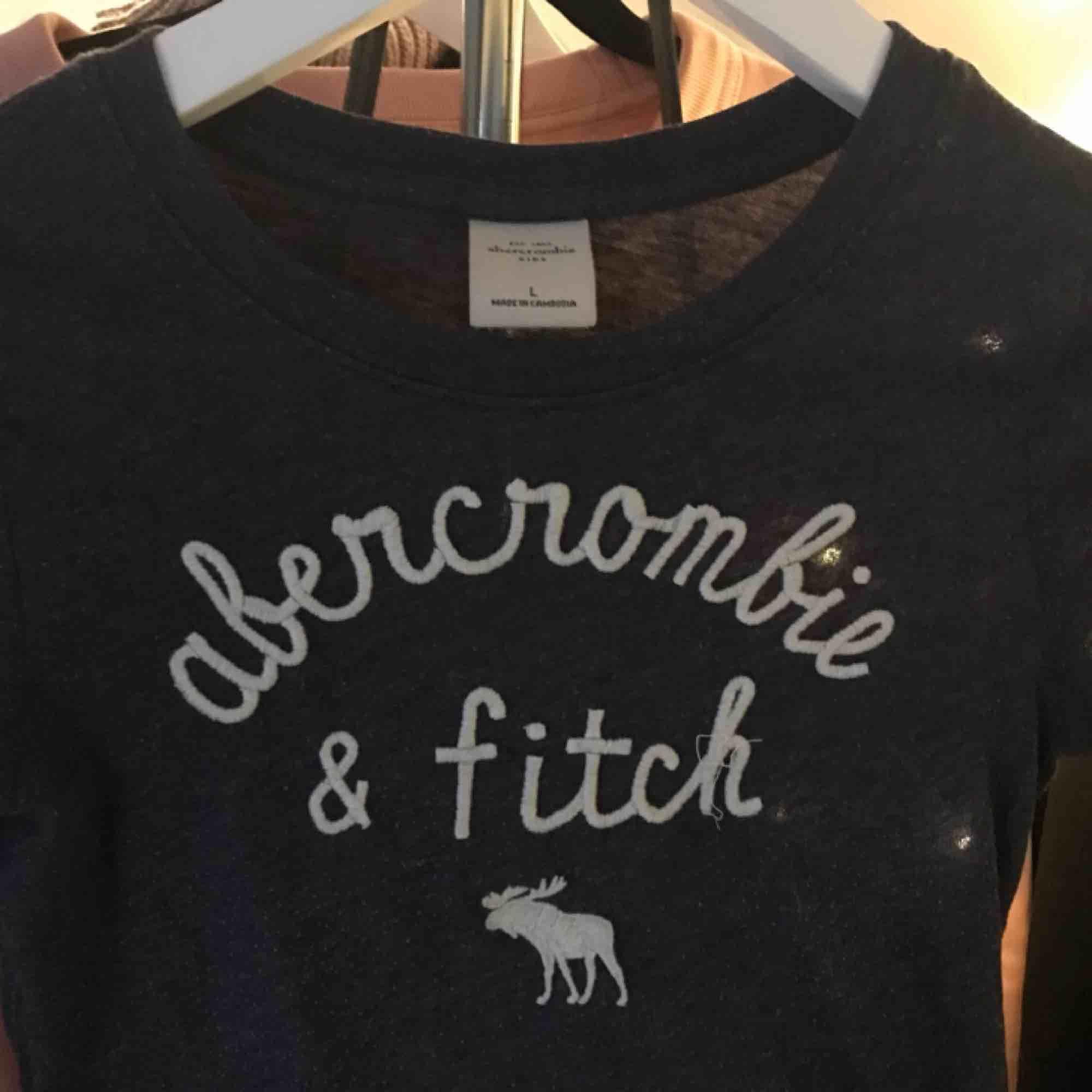 T-shirt . T-shirts.