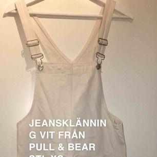 Oanvänd jeansklänning från pull & bear stl 34.