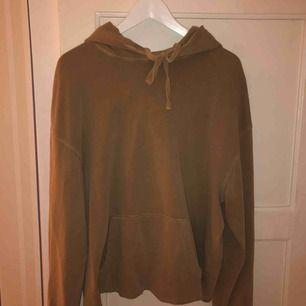 Fin beige hoodie från h&m. Mer ljus i färgen än på bilderna