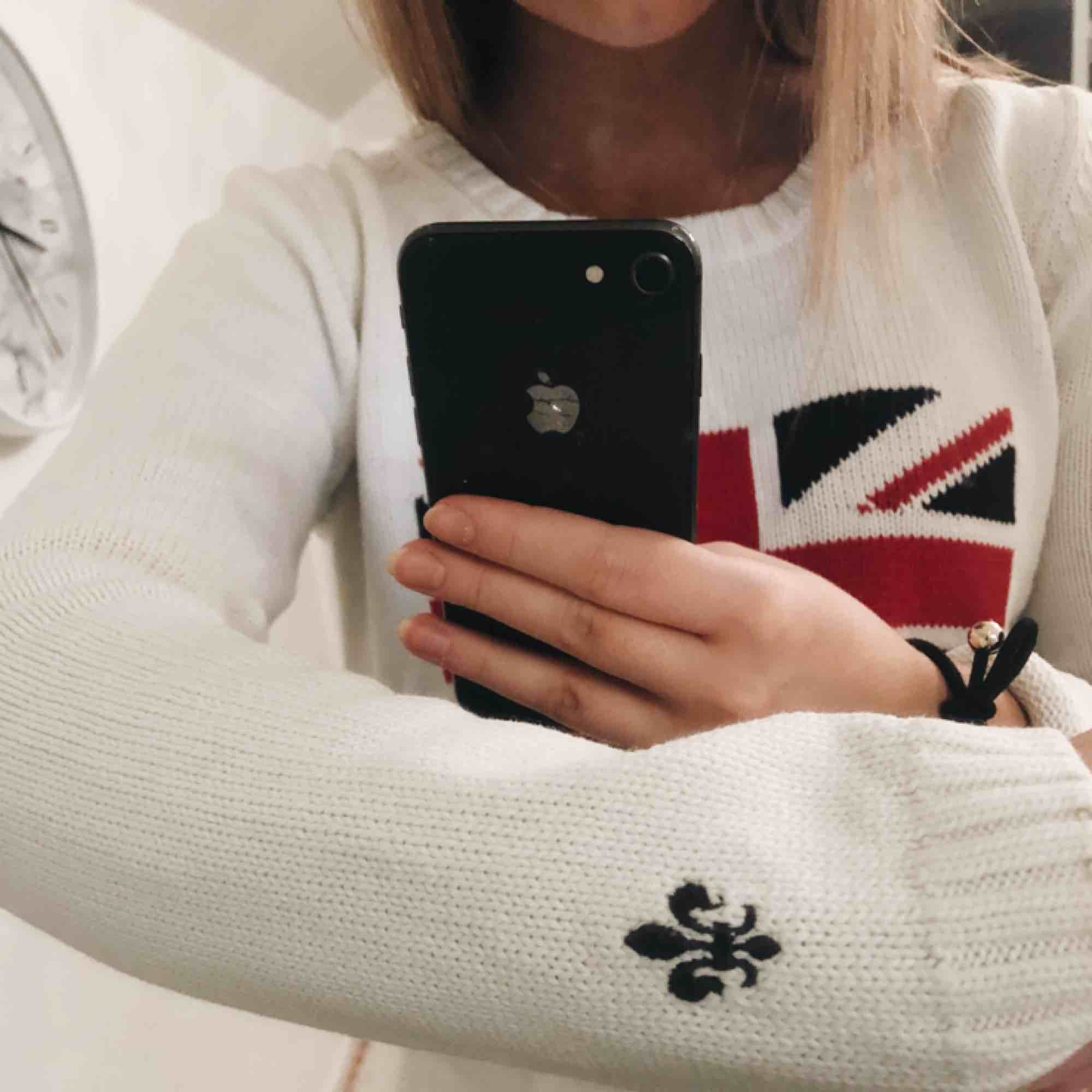 Morris tröja storlek small, tyvärr kommer den inte till användning, använd endast ett fåtal gånger!!. Tröjor & Koftor.
