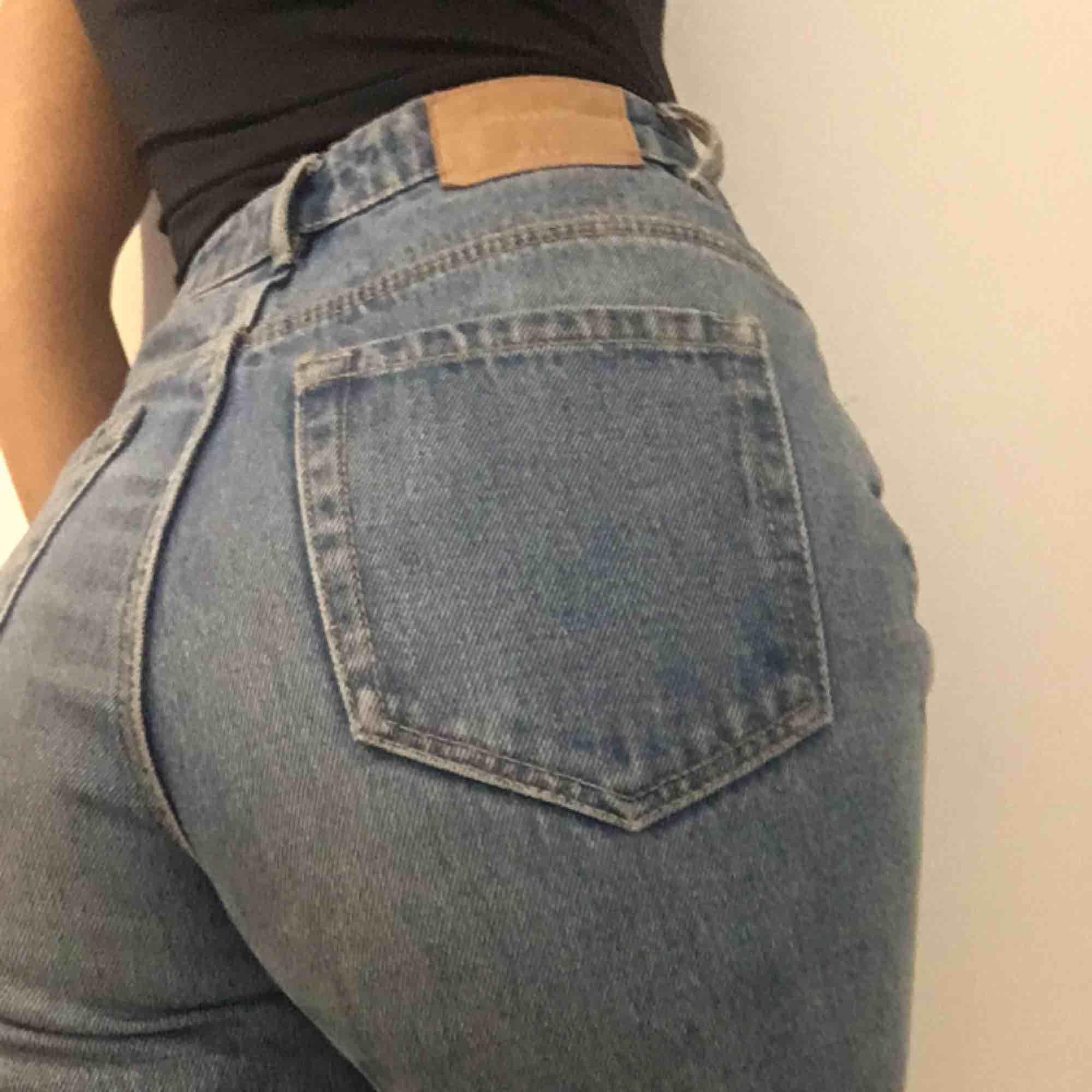 Monki-jeans, 150 kronor. Väldigt sköna 💖💖💖. Jeans & Byxor.