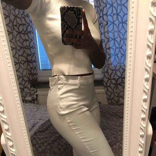 Säljer ett par fina kostymbyxor från H@M. Köparen står för frakten☺️