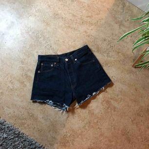 Levis shorts strl 29. För små för mig.