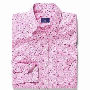 Superfin GANT skjorta. Aldrig använd, säljer för att den bara hänger. Hämtas i Västervik eller så får du betala frakten.