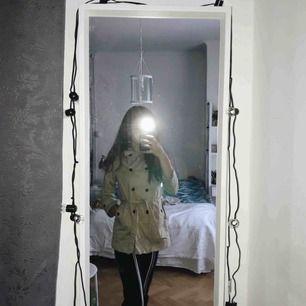 Fin kappa i storlek S/XS, aldrig använd, köpt på Zara för ca 600kr