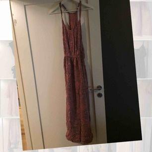 Långklänning inköpt på Bali i en