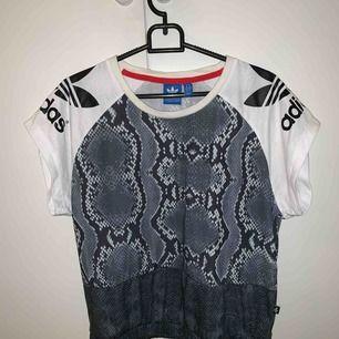 Adidas tshirt i storlek XS, bra skick Frakt: 39kr