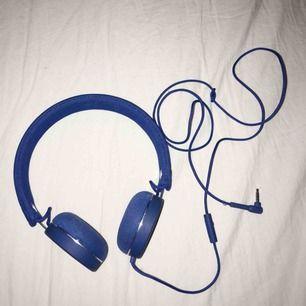 Urban ears hörlurar i bra skick. Köpt för flera år sedan men knappt använda.