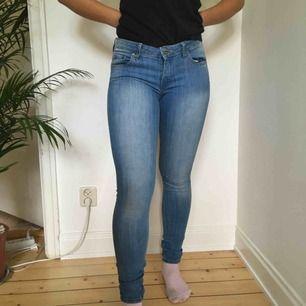 Blåa jeans från JC Vi möts gärna upp i Stockholm men pm frakt betalar köparen det