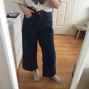SÅ coola jeans från Bershka. Köparen står för frakt 🐻