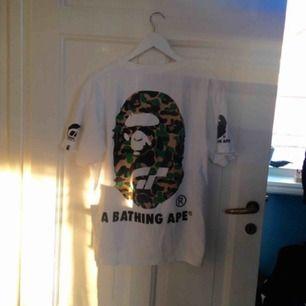 Bape t-shirt, har aldrig använt den så gott skick!! Inte äkta