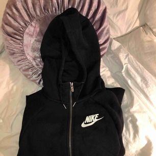Zip-hoodie från Nike Köpt för 800