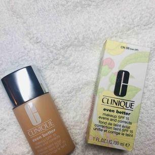 Helt ny, nypris 340kr Färg: 08 linen  minskar pigmentförändringar och ger en jämnare hudton. Passar alla hudtoner. Resultat på endast 4-6veckor.