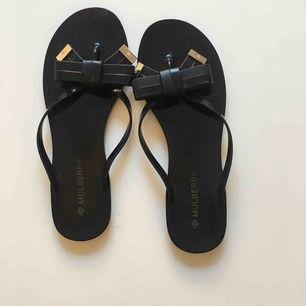 Oanvända sandaler från Mulberry. Finns i Malmö, kan även skickas (då tillkommer porto)