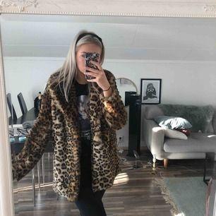 Såå snygg faux fur jacka, köpt för 1300:- på Tátch!