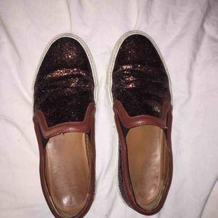 Givenchy sneaker brun med glitter
