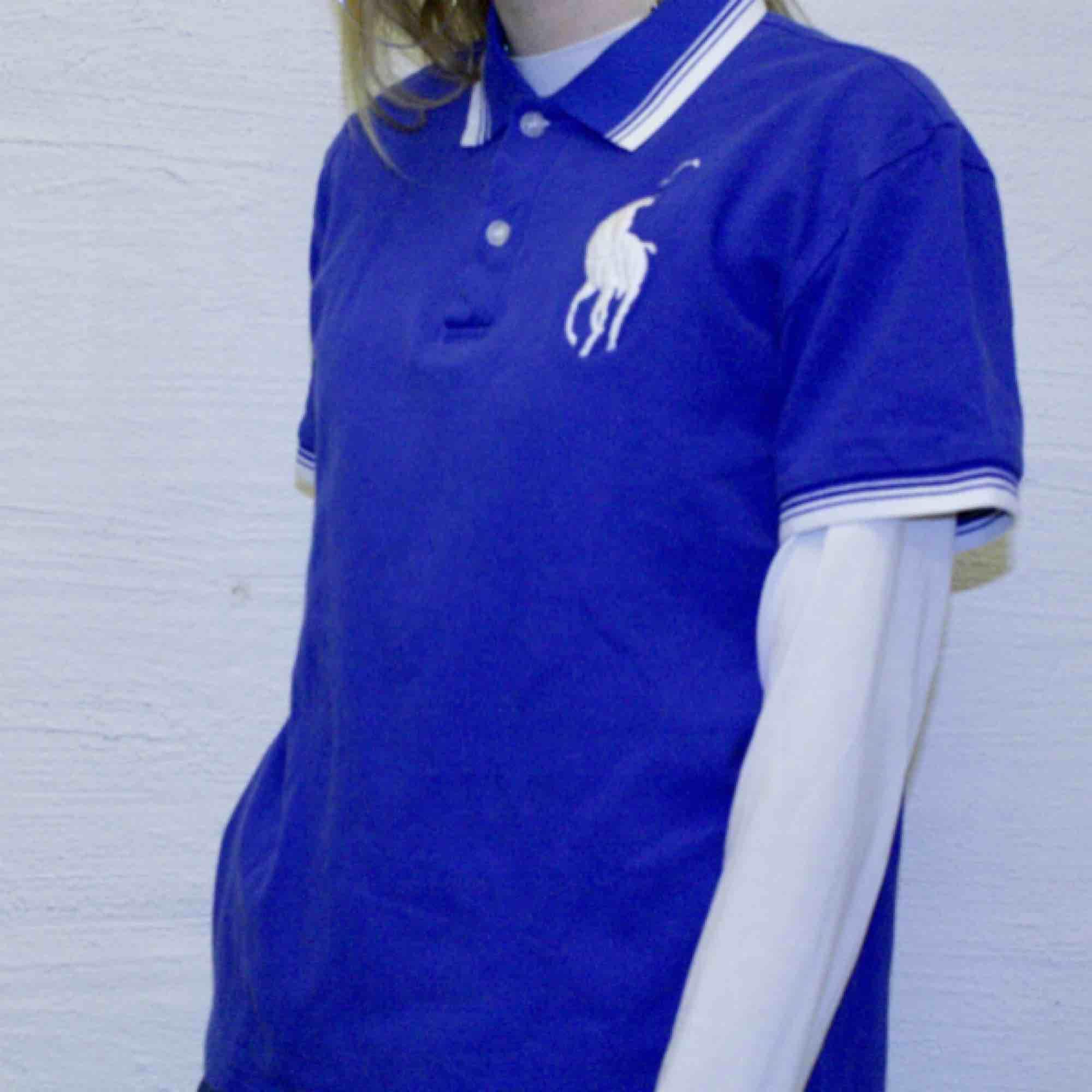 c049094e8111 🍒LAUREN🍒 Denna Lauren polo är - Ralph Lauren T-shirts - Second Hand