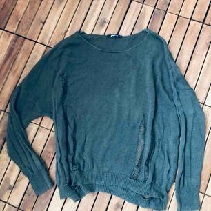 Distressed armygrön stickad tröja, använd en gång, toppskick