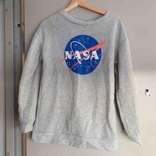 Superskönt tröja! 🌟 skynda fynda