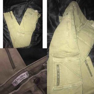 Cargo Jeans | Köpta i Spanien på Pull & bear Stockholm📍