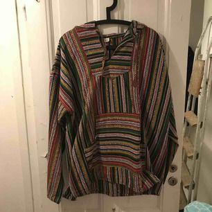Säljer min pullover jacka, använd 1 gång :) bra skick!