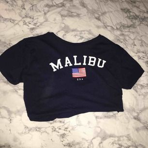 Fin t-shirt från H&m, inte använd mer än 2 gånger. Nästan helt ny :)