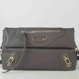 Balenciaga city liknande väska, aldrig använd!