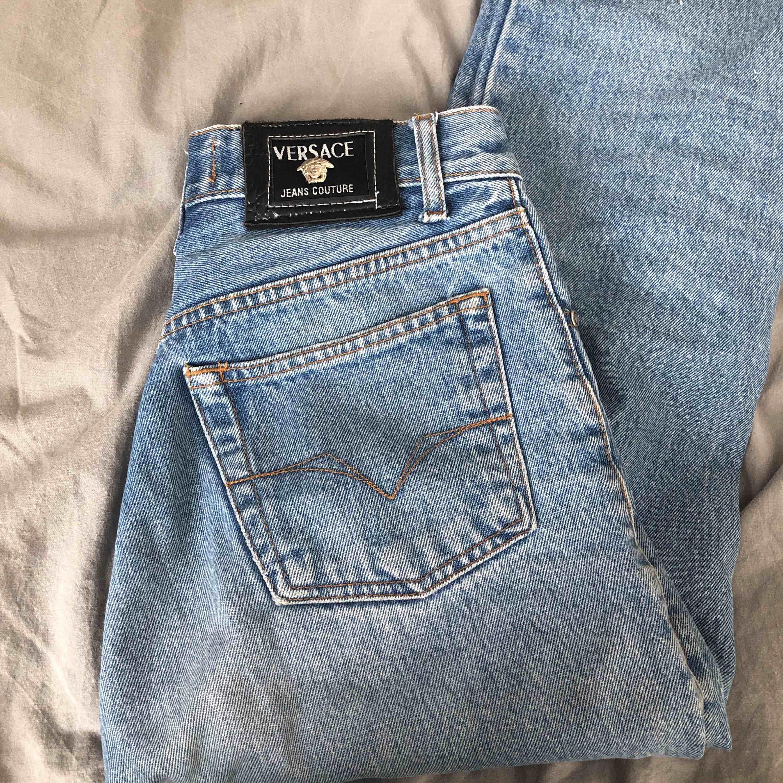 4561c11b8bb Versace jeans köpte här på plick - Jeans & Byxor - Second Hand