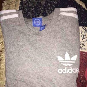 Äkta ny adidas t-shirt