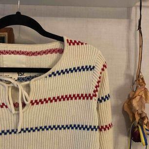 Väldigt varm stickad tröja  Frakt är exklusivt 🍀