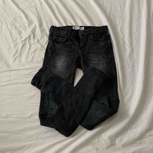 """Sjukt snygga byxor från Gina i modellen """"kristen"""". Storlek XS / 25 och jättefint skick! Som nya. Priset är inklusive frakt☺️💫"""