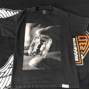 Diamond supply co. t shirt, mycket bra skick