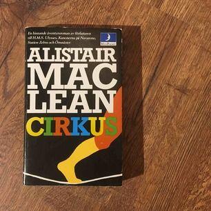 Cirkus av Allistair Mac lean. Äventyrstoman