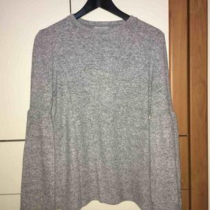 Jätte mjuk tröja från Zara! Strl S. Pris 75kr.