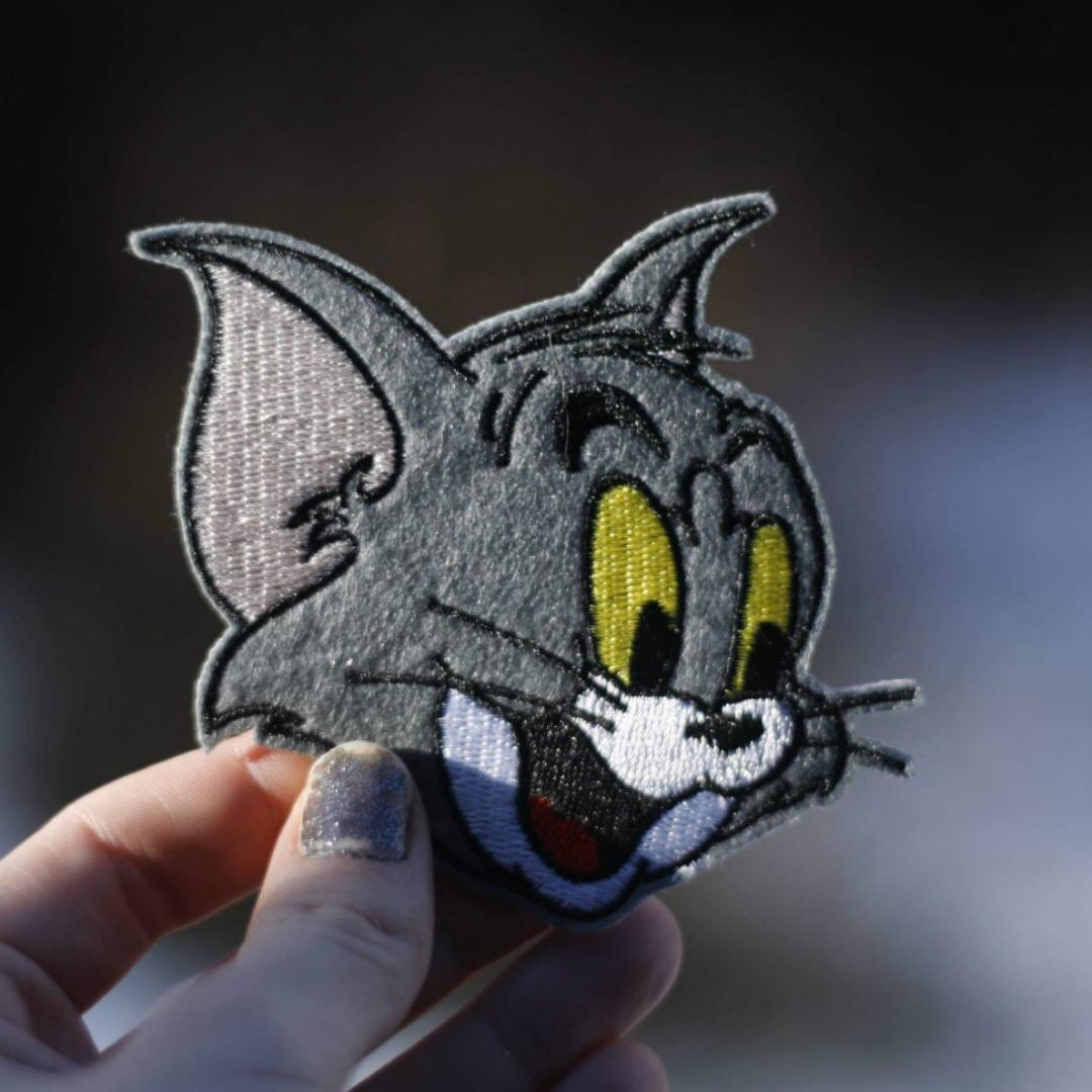 TOM från Tom & Jerry. Ett tygmärke som skriker nostalgi?😏  39 kr inkl frakt. (Har fler tygmärke med liknande motiv!) . Accessoarer.