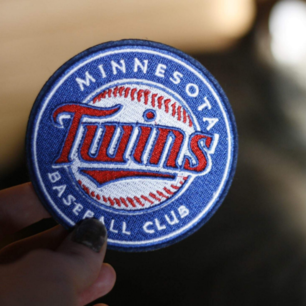 Minnesota TWINS baseball club tygmärke. Går att stryka eller sy på tyg. 39 kr INKL FRAKT!