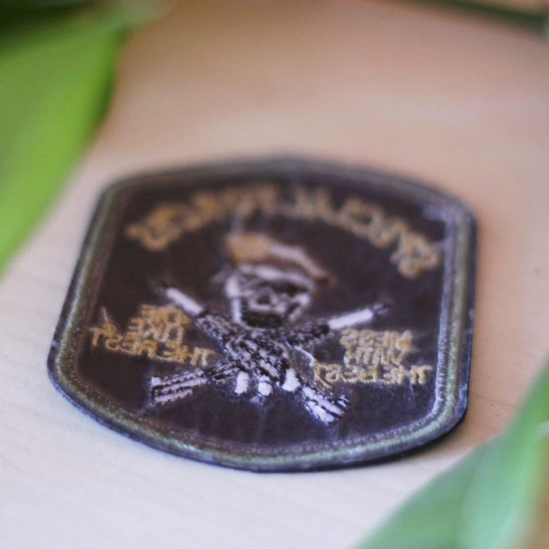 Special forces - mess with the best, die like the rest. Lite oklart men ändå coolt tygmärke! 39kr INKL FRAKT! . Övrigt.