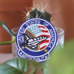 United state of American: Austronaut. tygmärke som går att stryka eller sy på allt i tyg! 39kr inkl frakt!