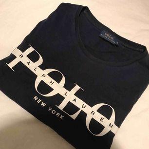 Fin tshirt från Ralph lauren, nypris 799kr🌸 priset är inklusive frakt och betalning via swish☺️