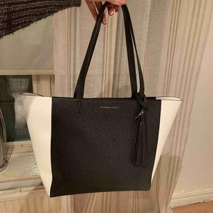 Victoria Secret väska, aldrig använd!