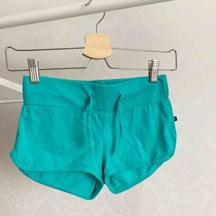 Shorts från outfitters nation. Oanvända. Storlek: XS Pris: 5 kr Köparen står för frakten