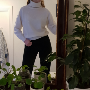 Fin tröja med höga krage! Fint skick 🧡 Fraktar bara och frakten kostar 50 kr